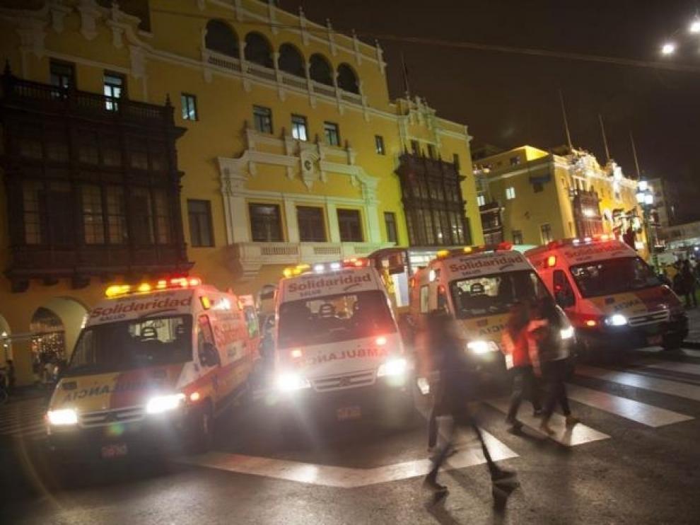 Al menos trece personas mueren asfixiadas en Perú durante una operación policial para despejar una discoteca que violaba el toque de queda