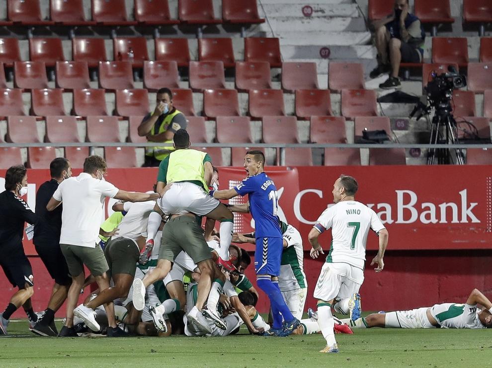 El Elche de Dani Calvo sube a Primera División con un épico tanto de Pere Milla (0-1)