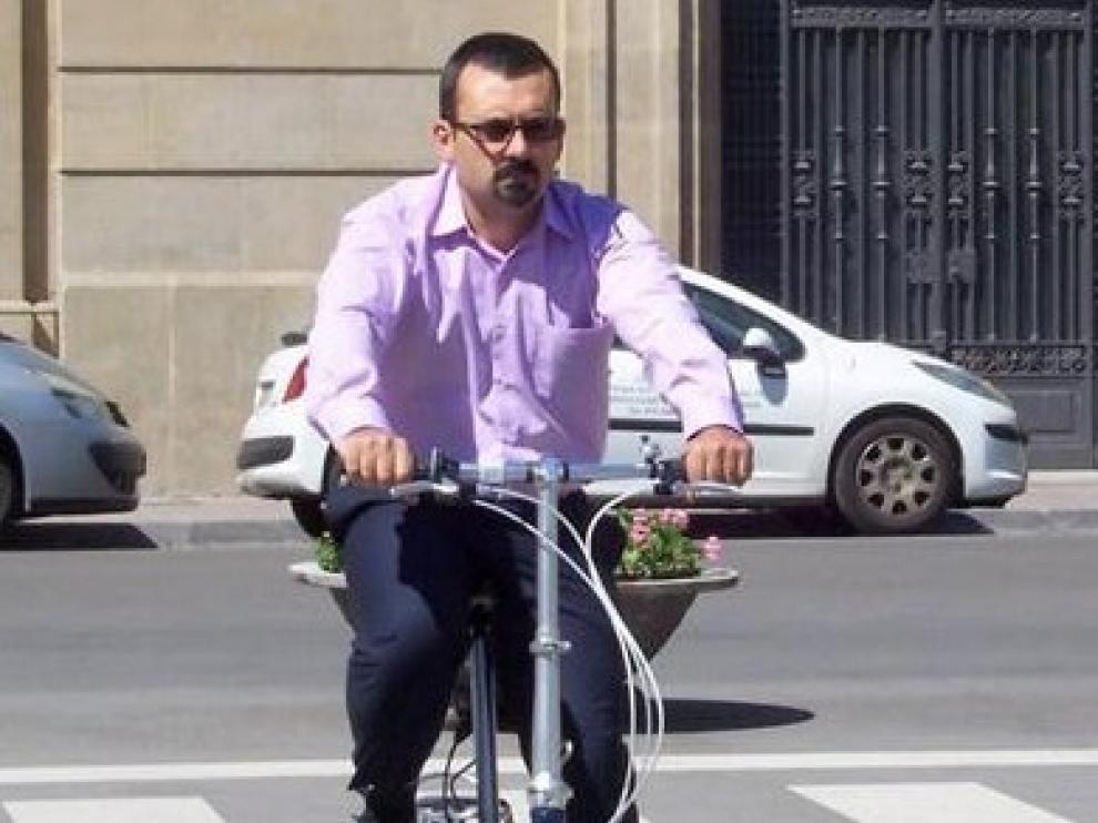 La Asociación 'Huesca en bici' solicita la adecuación de los carriles bici de la ciudad