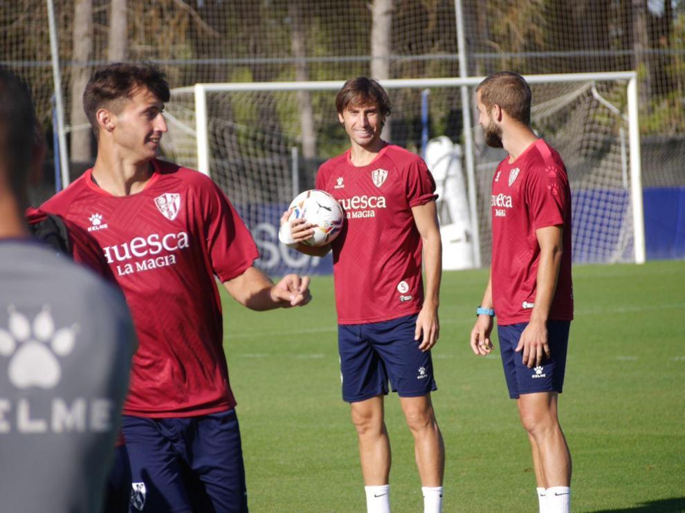 """Mosquera destaca la importancia de mantener """"el estilo y la personalidad"""" en el Huesca"""