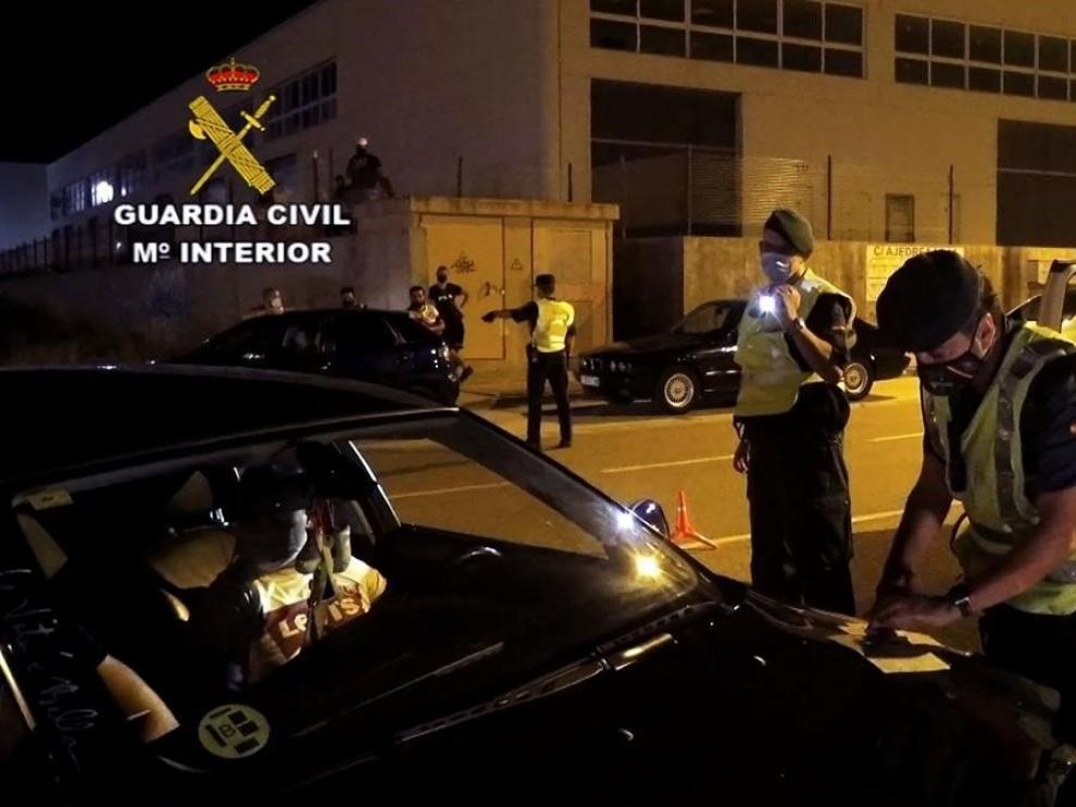 Disuelven una concentración ilegal de más de 150 coches en Zaragoza