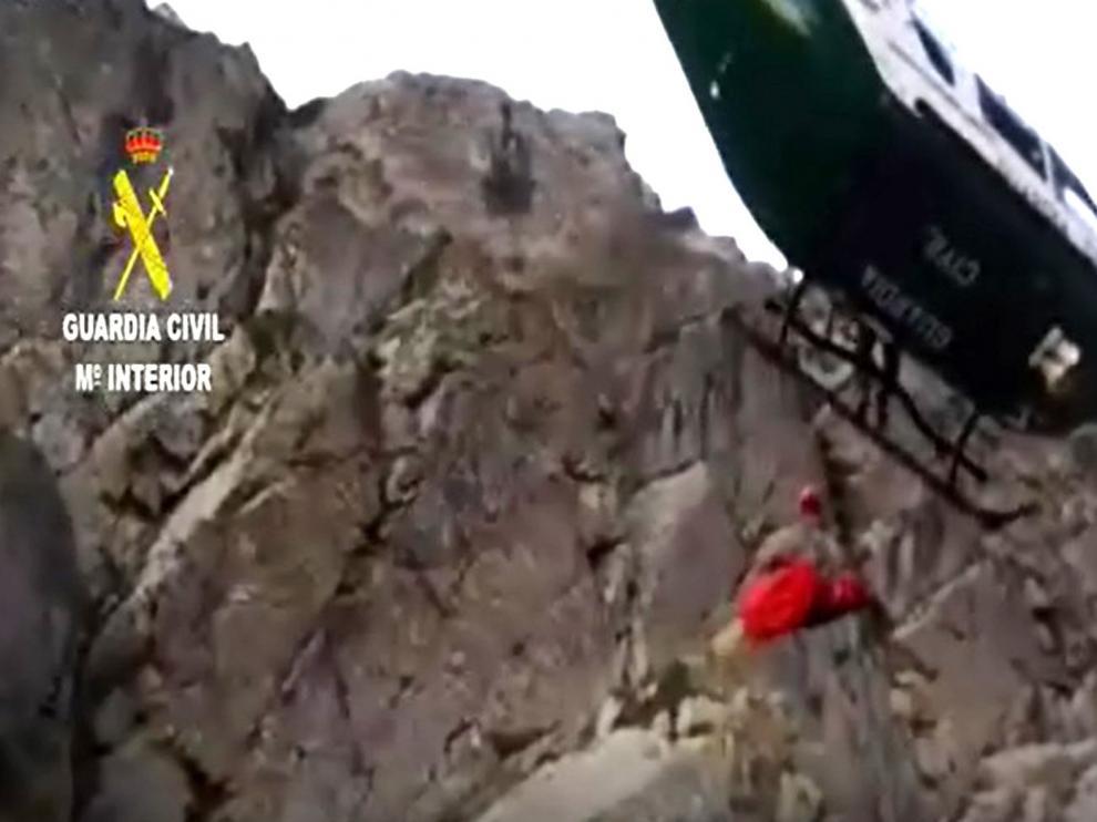 La Guardia Civil rescata el cuerpo sin vida de un hombre tras ser localizado por una senderista