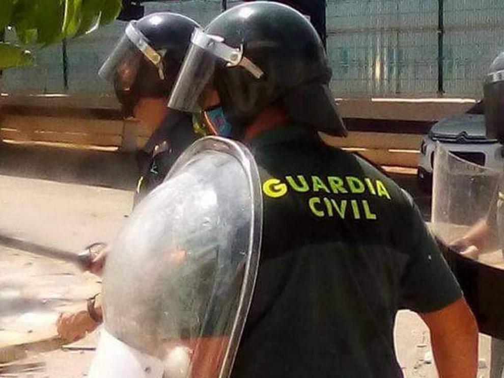 Heridos 9 agentes y 26 detenidos en un motín en el Ceti de Melilla