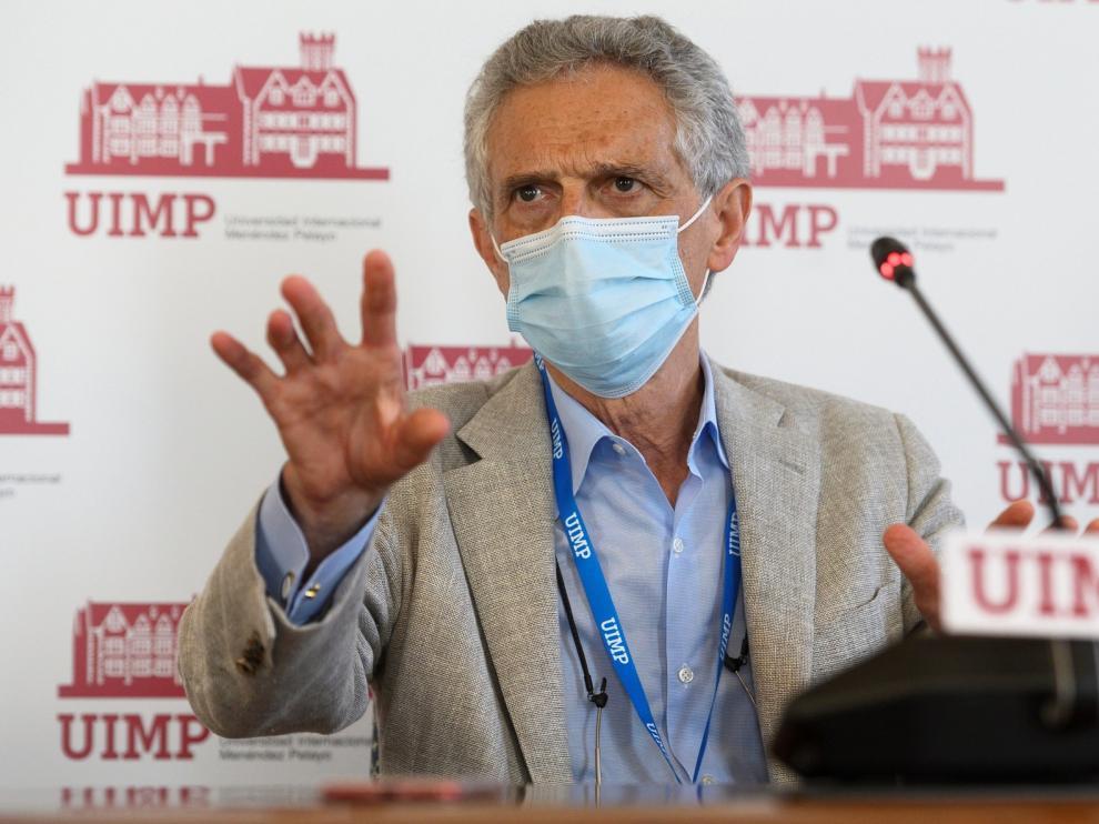 """Luis Rojas Marcos anima a """"no tirar la toalla"""" por la pandemia"""