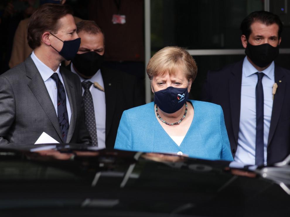 Angela Merkel teme un pico de hasta 19.200 contagios diarios en las navidades