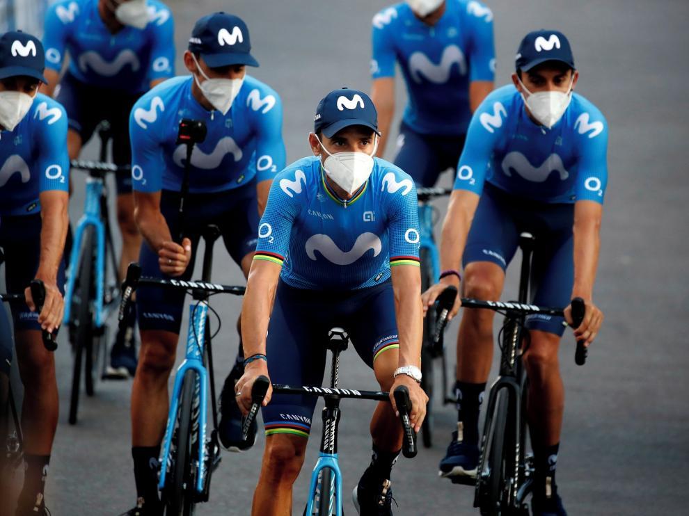Una burbuja entre mascarillas y distancia en el Tour de Francia