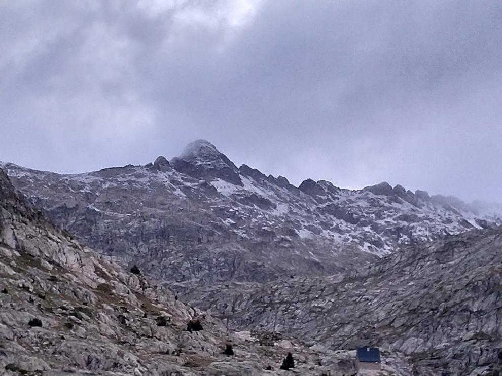 Descenso de temperaturas y primeras nieves en el Pirineo en el final de agosto