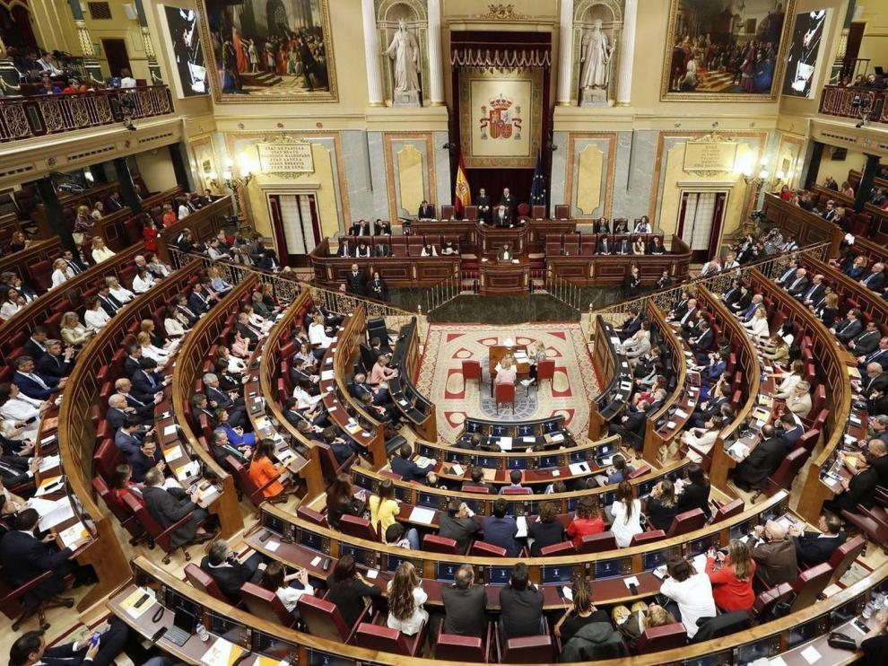 La oposición avisa de recursos ante el Supremo si se conceden medidas de gracia al independentismo
