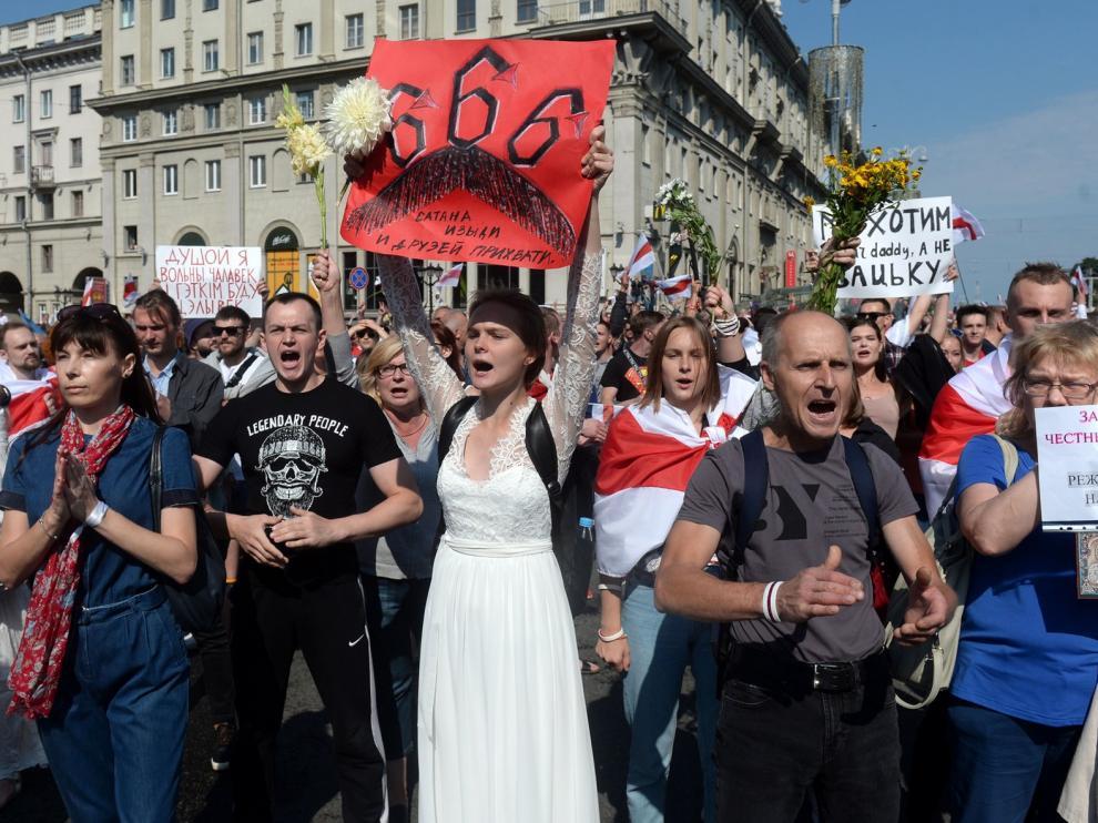 Bielorrusos protestan en Minsk contra Lukashenko