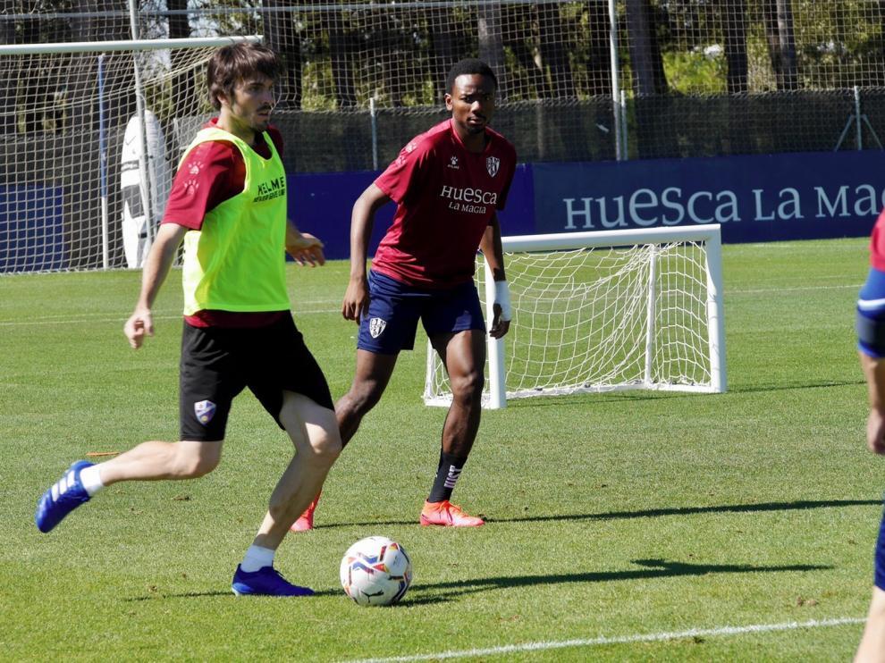 El equipo se hará más test tras el positivo de Oyarzábal