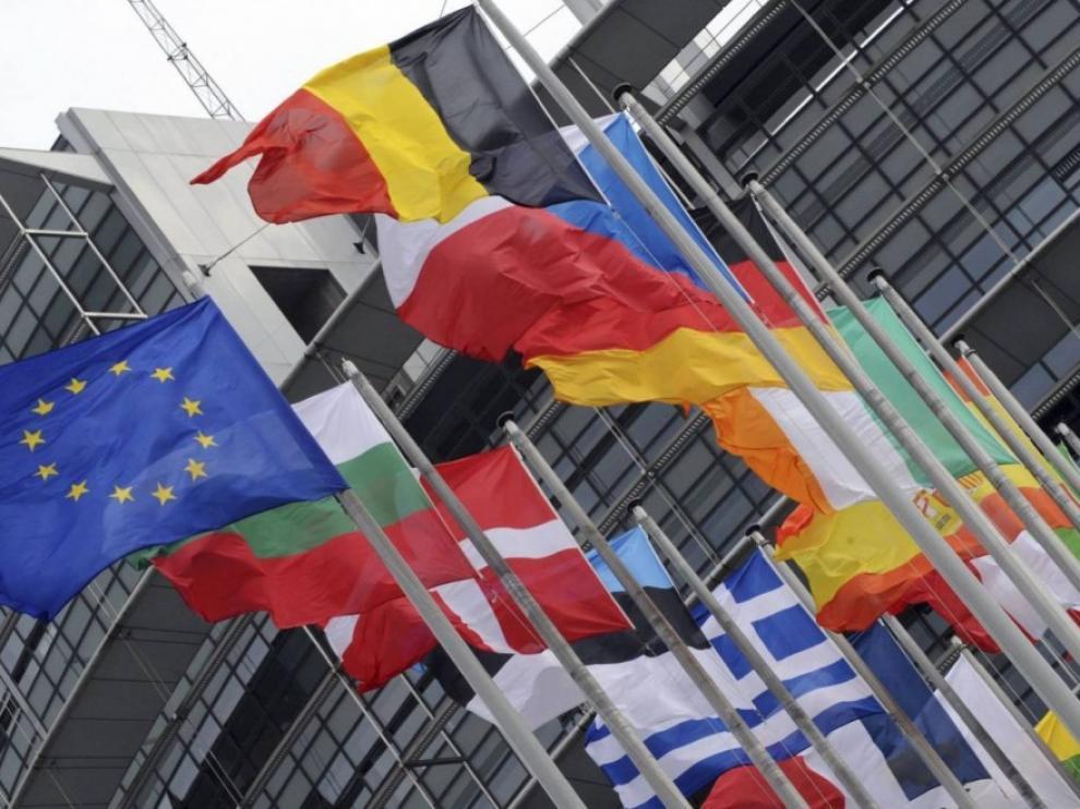"""La UE, ante un curso vital, marcado por covid, """"brexit"""" y política migratoria"""