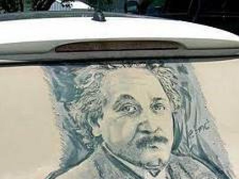 Los coches polvorientos, nuevos lienzos para obras de arte hiperrealistas