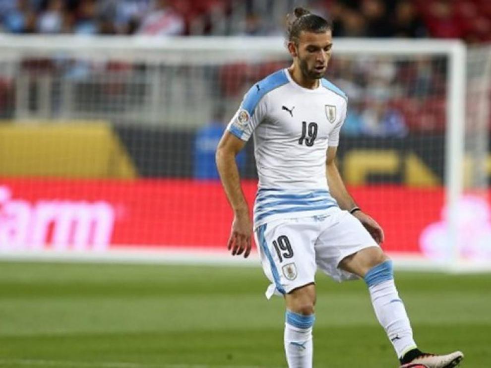 El Huesca ficha al defensa internacional uruguayo Gastón Silva