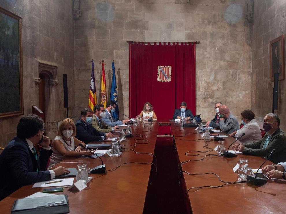 Gobierno y agentes sociales coinciden en mantener las prestaciones de los ERTE
