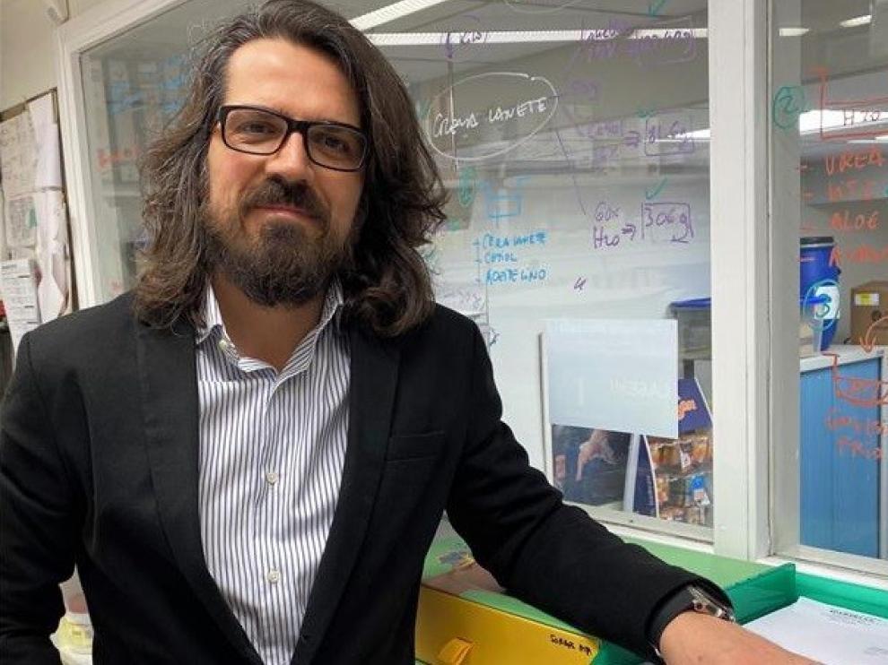 El barbastrense Edgar Abarca, en un estudio sobre pacientes graves