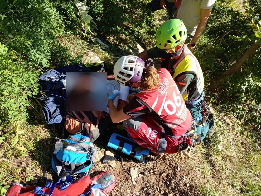 La Guardia Civil rescata a un montañero francés que sufre una caída en los ibones de Arriel
