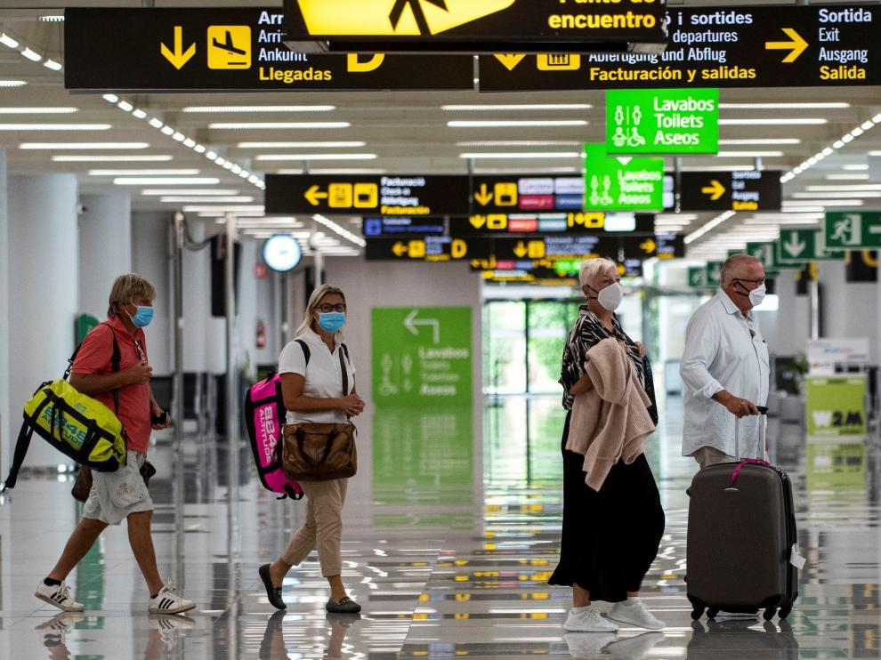 España cierra el periodo enero-agosto con 40 millones de turistas menos