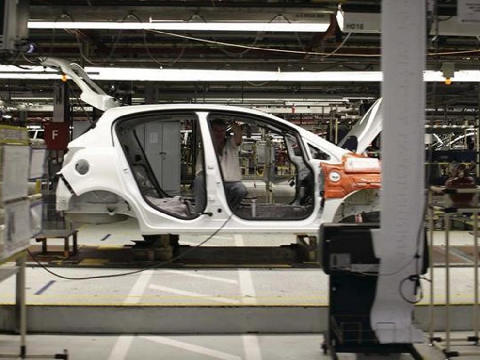 La planta de PSA-Opel España contratará a 200 trabajadores
