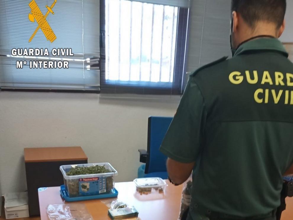 Un detenido en Monzón por tráfico de drogas tras ser ayudado por la Guardia Civil al averiarse su coche