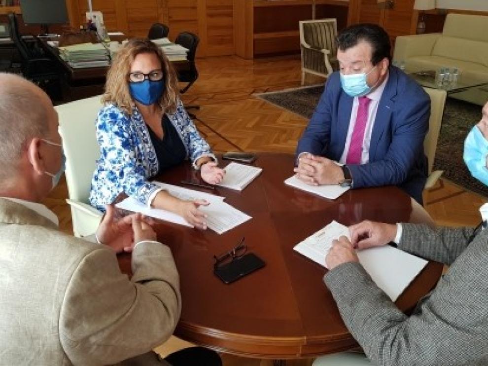 El Gobierno de Aragón revisará los protocolos de desinfección en los colegios