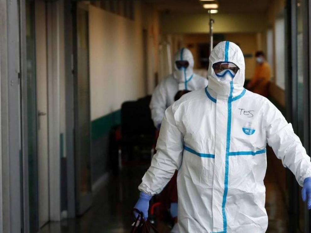 El repunte del coronavirus en España, con 9.000 nuevos casos, vuelve a azotar las residencias