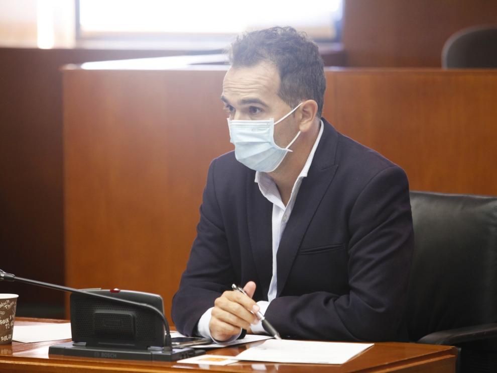 """Guerrero urge a Renfe a que sustituya los """"tamagochi"""" por trenes """"decentes"""" acordes con el siglo XXI"""