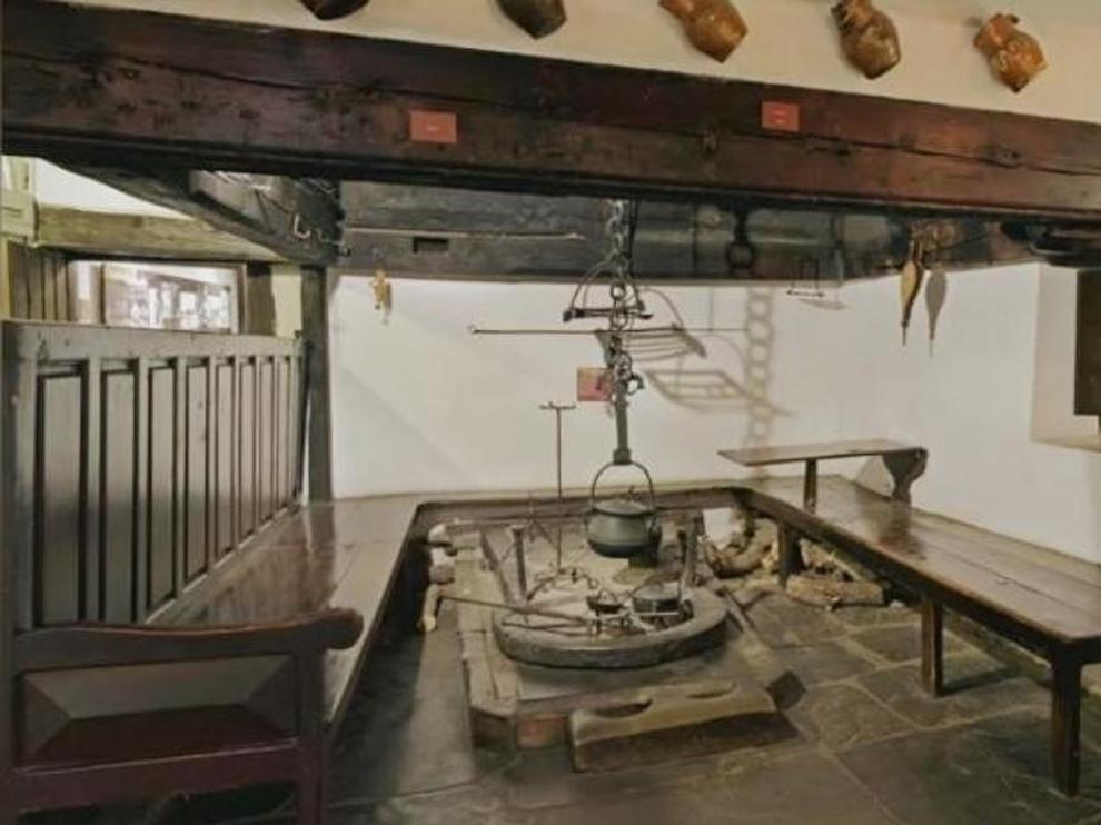 Concha Martínez Latre propone visitar el hogar de casa Batanero en Sabiñánigo