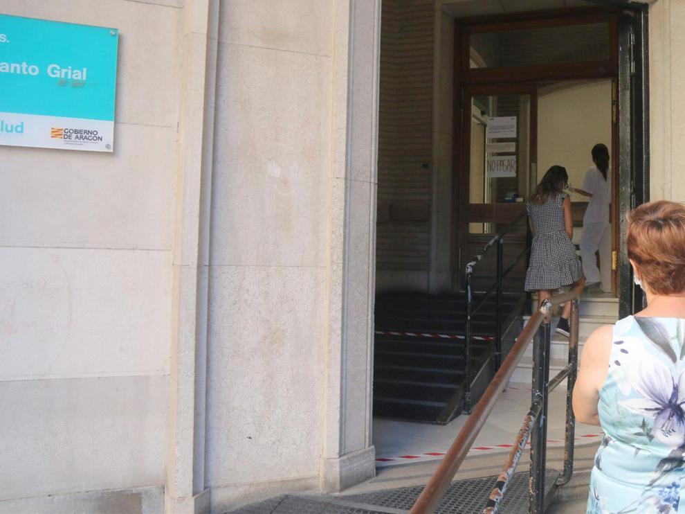 Los casos en la provincia este jueves vuelven a las cifras habituales tras el repunte de este miércoles en la Residencia de las Hermanitas de Huesca