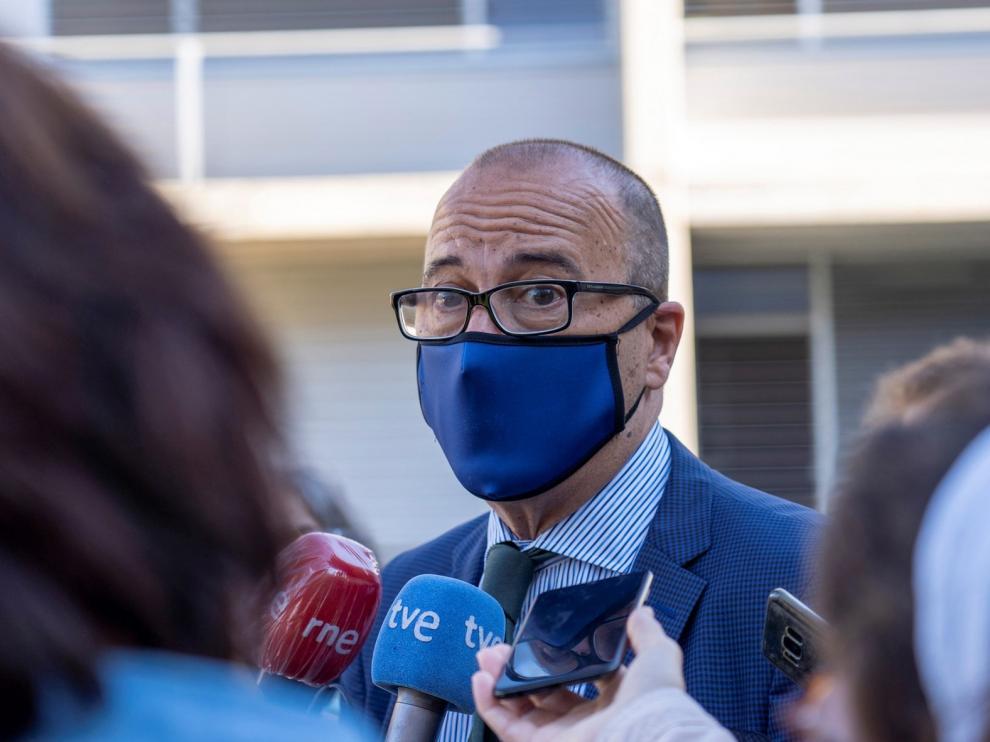 Huste pide la dimisión del consejero de Educación, Cultura y Deporte Felipe Faci