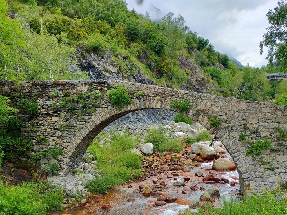 Premiada en Graus una foto del puente de Besians