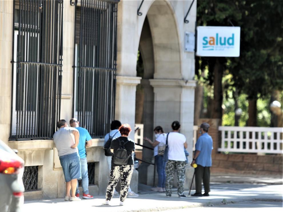La cifra de contagios en la provincia de Huesca vuelve a bajar este viernes, al igual que los ingresados