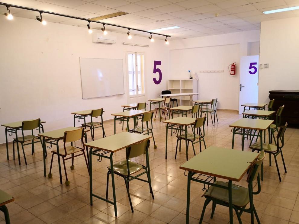 """CGT critica las """"indicaciones"""" de Educación a los centros para relacionarse con los medios de comunicación"""
