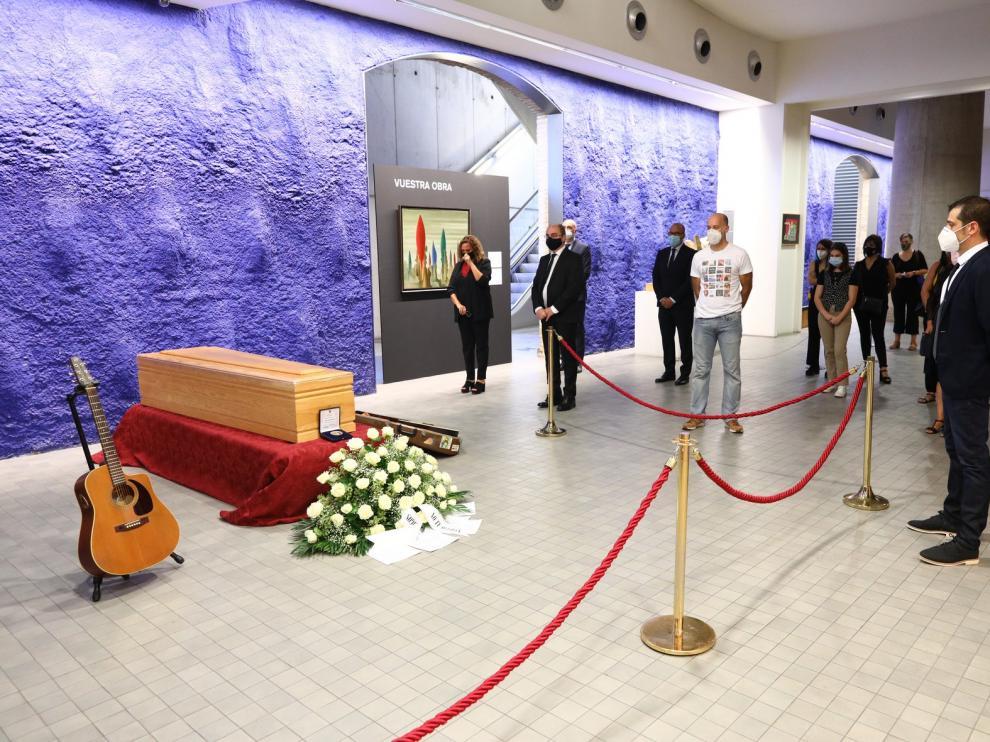 Los aragoneses despiden al polifacético artista Joaquín Carbonell en el Museo Pablo Serrano