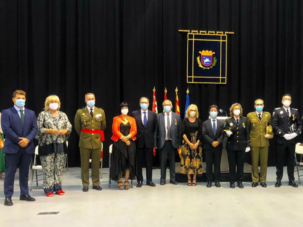 Luis Felipe destaca la ejemplar labor de la Policía Local de Huesca durante pandemia en la celebración de su festividad