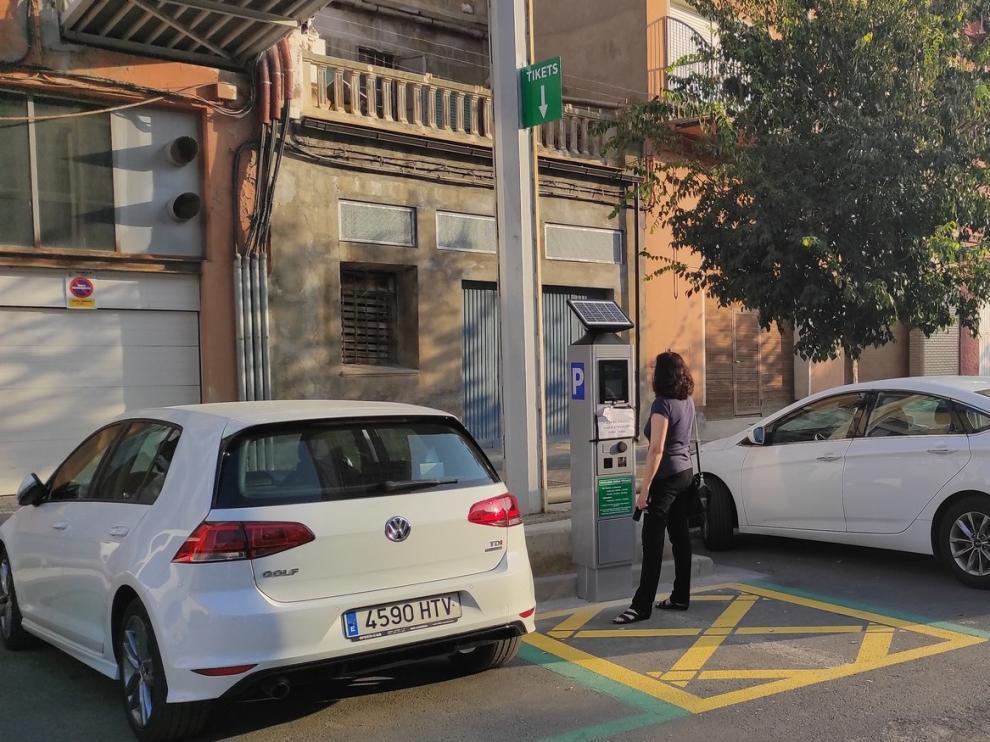 Entra en servicio la primera zona verde de aparcamiento en Fraga