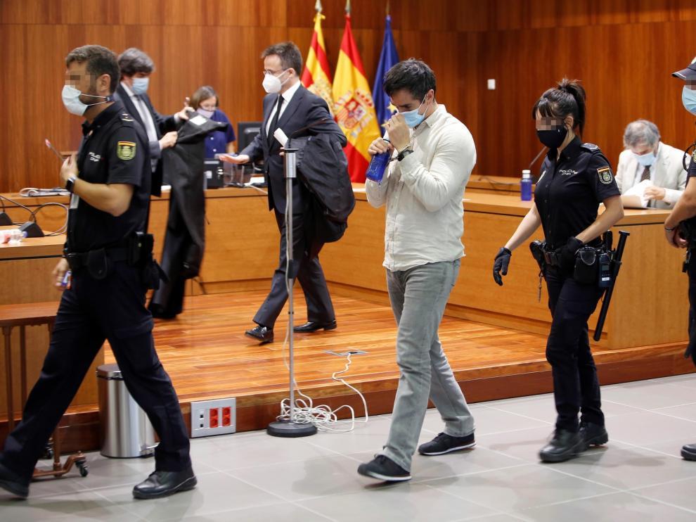El jurado considera a Rodrigo Lanza culpable de la muerte violenta de Víctor Laínez