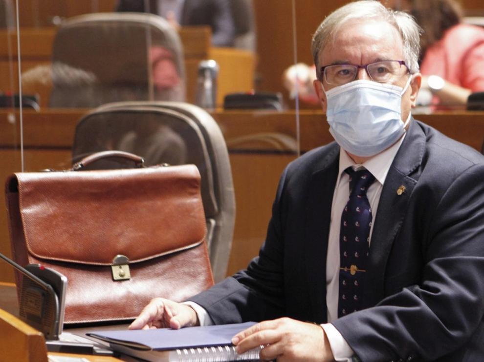 Dolado pide para Aragón un pacto intergeneracional y que las residencias no sean asilos