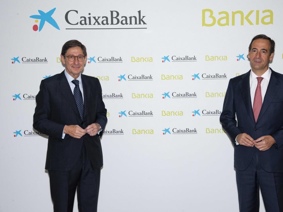 CaixaBank y Bankia dan luz verde a crear el primer banco español