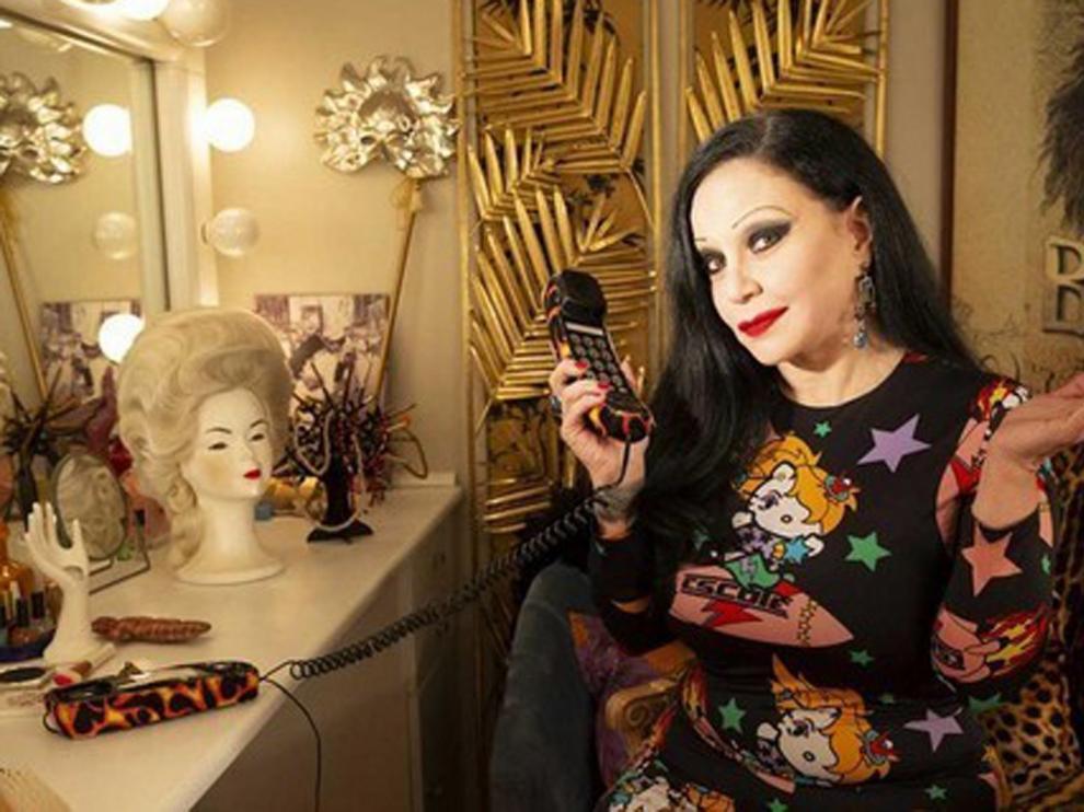 """Alaska toma el testigo de Concha Velasco al frente de """"Cine de Barrio"""""""
