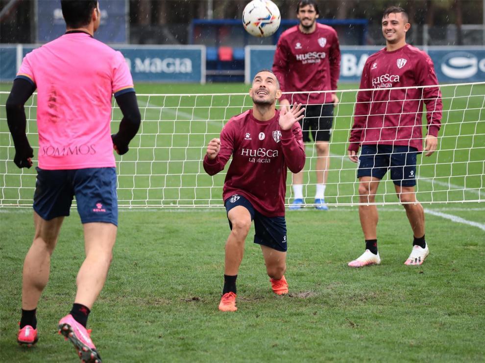 El Huesca confirma dos positivos por coronavirus