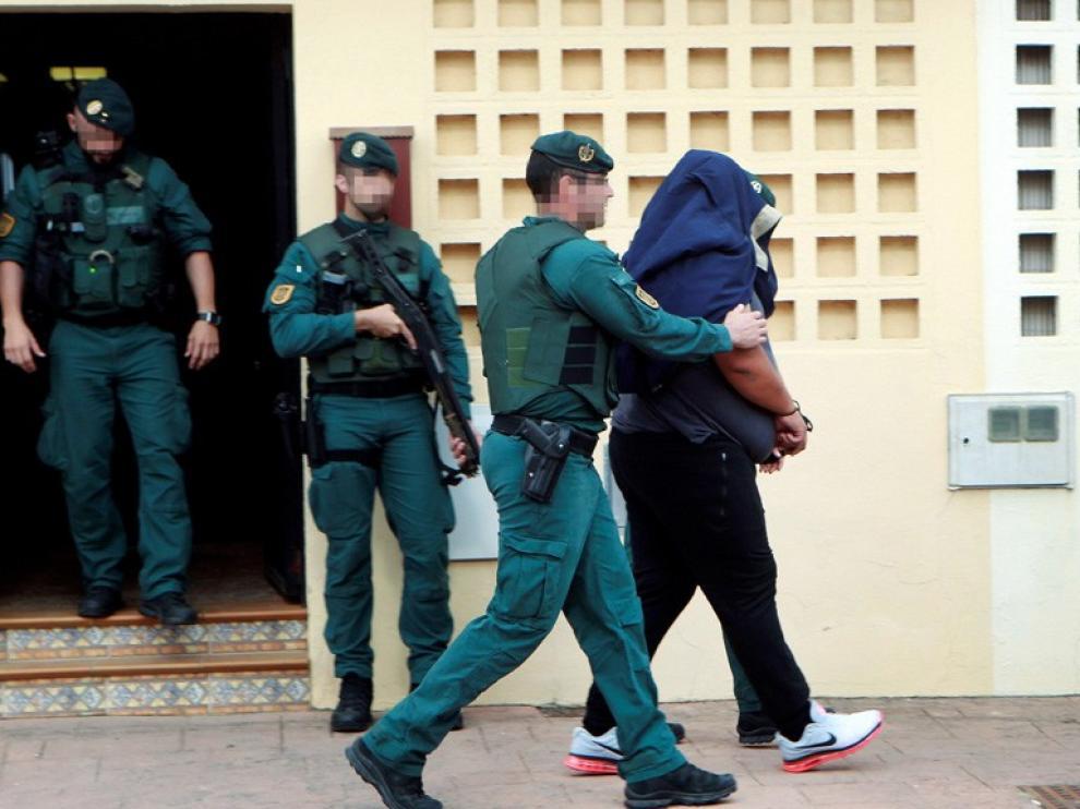 Más de 200 guardias civiles en redada antidroga en Campo Gibraltar y Málaga