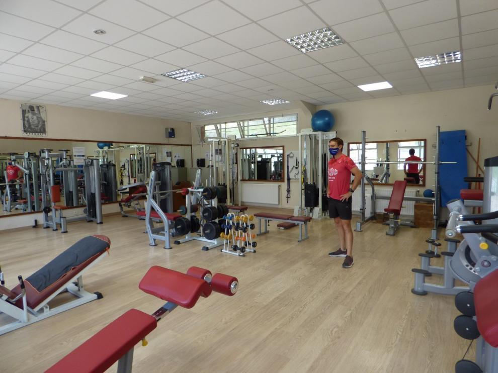 El gimnasio de Sabiñánigo reabre con adaptaciones