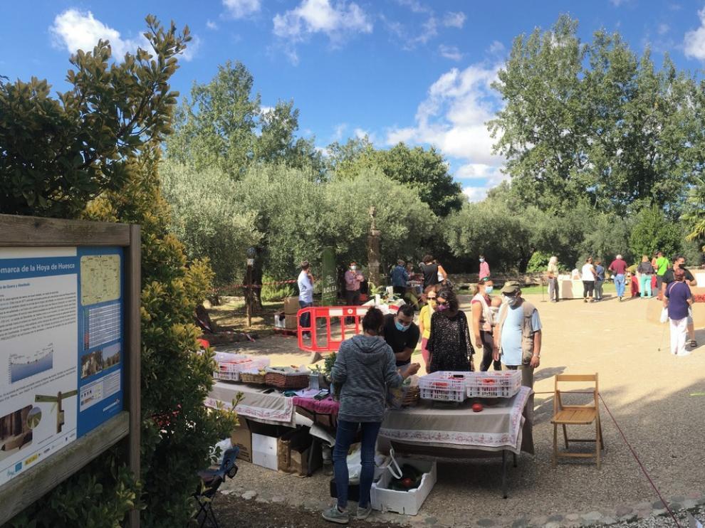 Éxito del primer mercado agroecológico en Loporzano