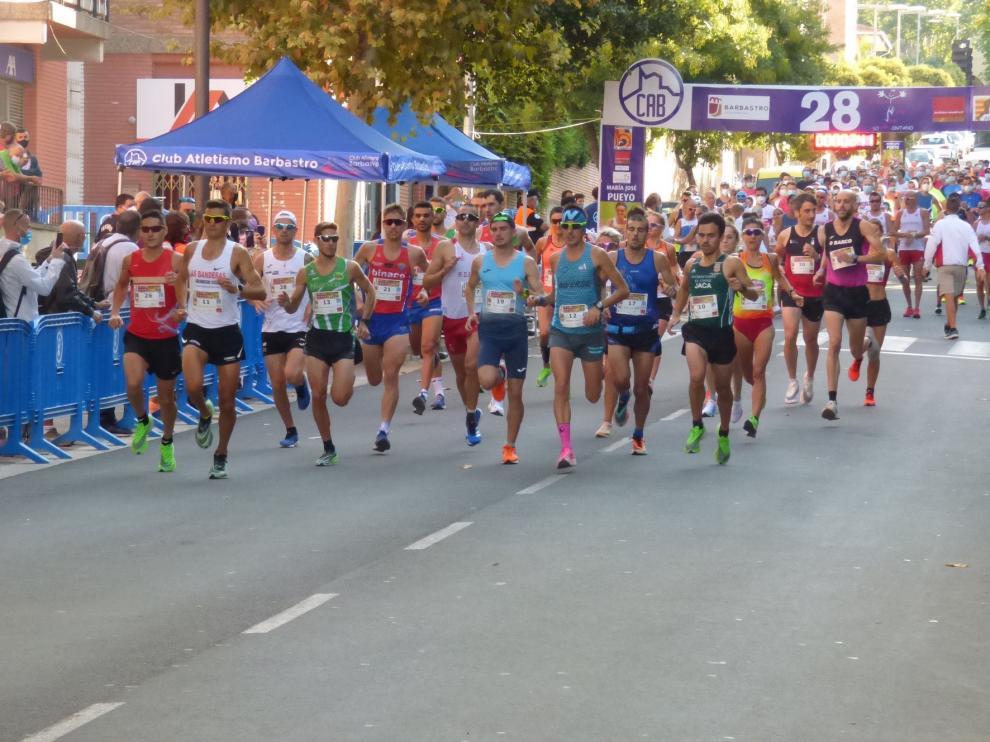 Camilo Santiago y Alicia Pérez brillan en el Medio Maratón Ruta Vino Somontano de Barbastro