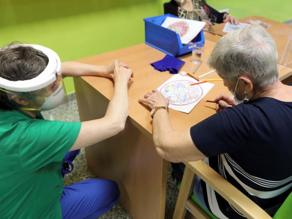 Los pacientes con alzhéimer dan un paso atrás lastrados por el coronavirus