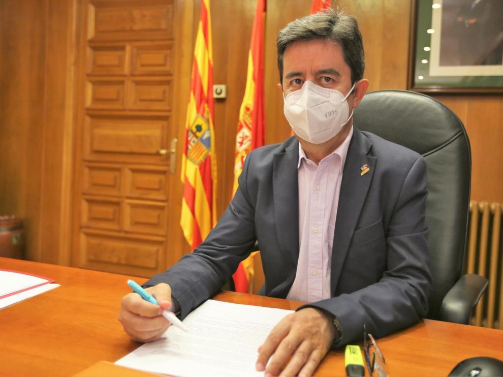El alcalde de Huesca llama a la responsabilidad individual y colectiva para evitar los contagios
