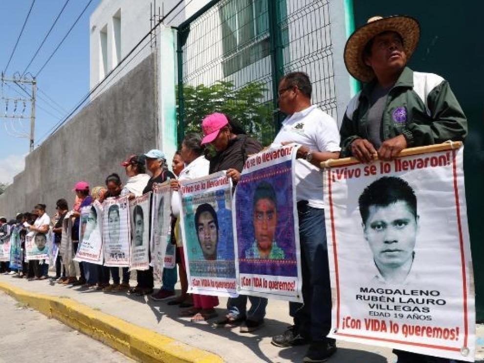 Denuncian corrupción en las desapariciones de estudiantes de Iguala en México