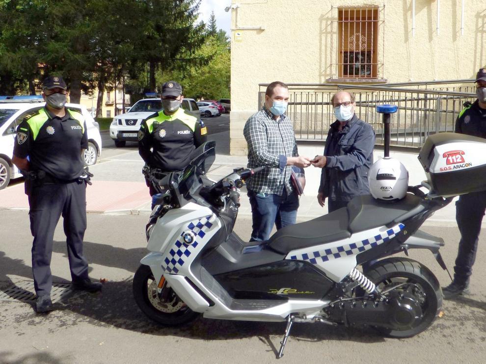 La Policía Local de Sabiñánigo adquiere una moto eléctrica