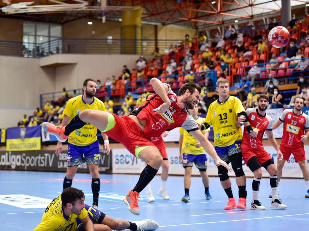 Bada Huesca repite el inicio del curso anterior