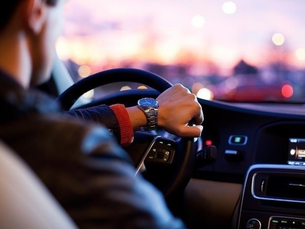 El móvil provoca el 50% de las multas por distracción al volante